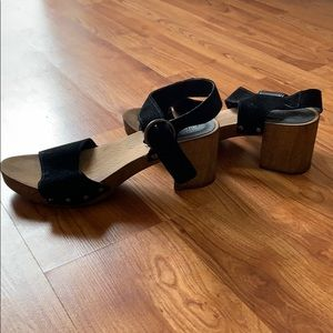 Black buckle sandals size 9